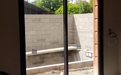 Installation de menuiseries sur une maison en construction sur Bois-Guillaume